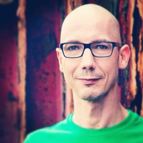 Alexander Fillbrandt ist Logopäde und in Deutschland und Österreich als Dozent zu seinen Schwerpunkten unterwegs.
